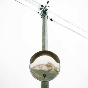 photo poteau electrique avec miroir Tom Fish Artiste photographe